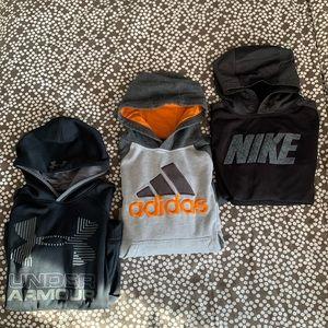 3 hoodies YM Nike, Adidas, Under Armour.